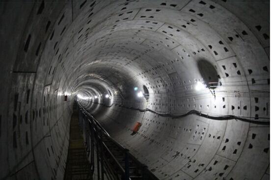 厦地铁2号线海底隧道盾构施工法 系国内第一条